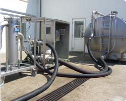 Picture of the chemical cleaning proces.